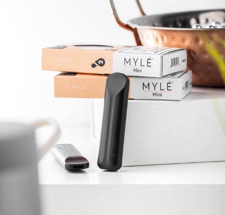 Mini Peach MYLE Disposable Vape Pods in UAE.